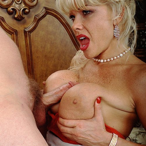 Air_Force_Amy_Boy_Girl_Pearl_Necklace_8