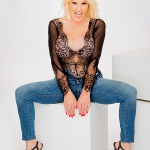 Air Force Amy Black lace and Jeans image