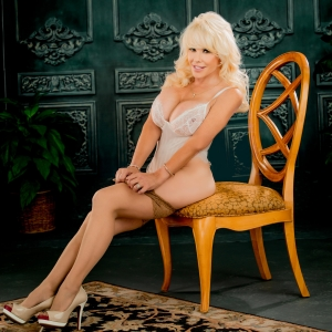 Air Force Amy Blonde Bombshell
